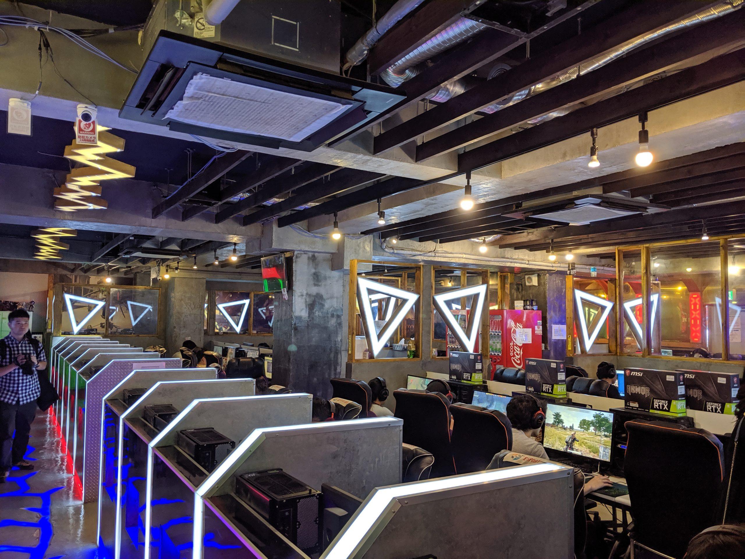 新大久保「e-Sports cafe様」に訪問させていただきました。